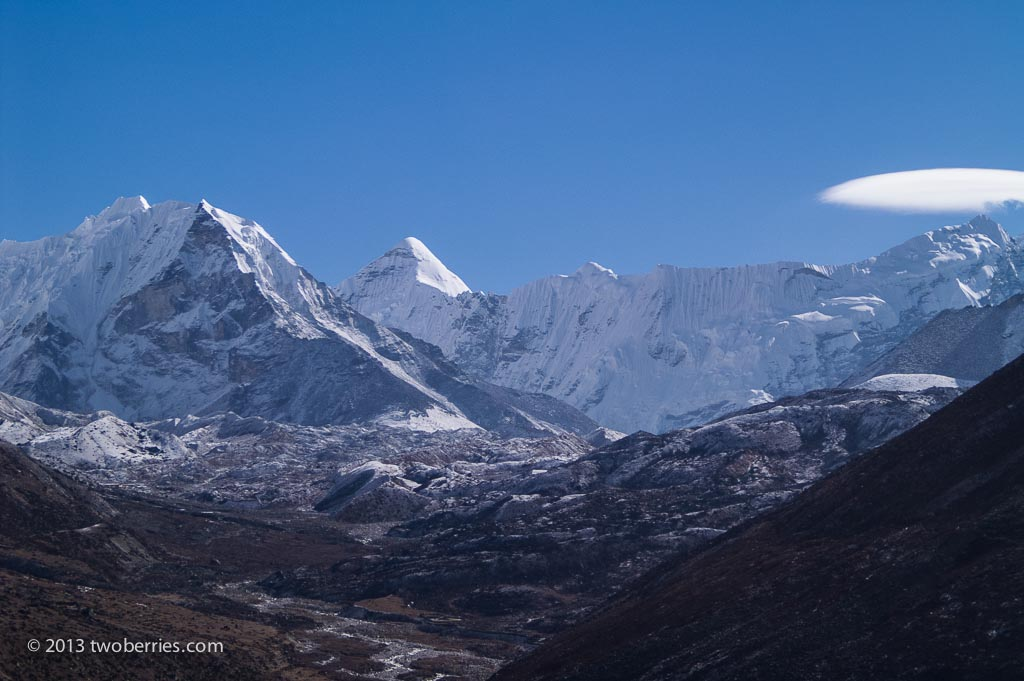 Island peak and Manaslu (with lenticular cloud)