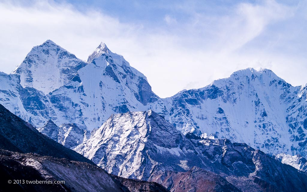 Unknown peaks above Dinboche