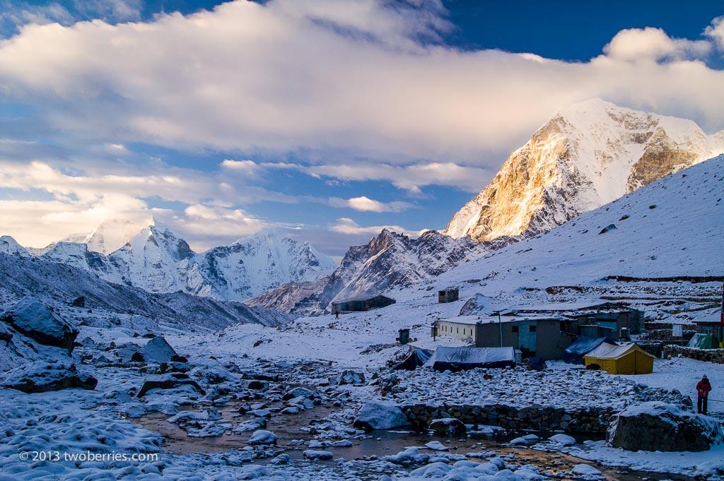 Dawn breaks as we leave Lobuche for Everest Base camp