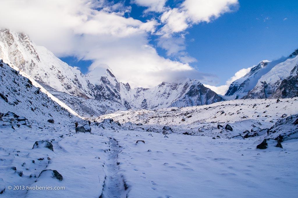 The route up the Khumbu Glacier