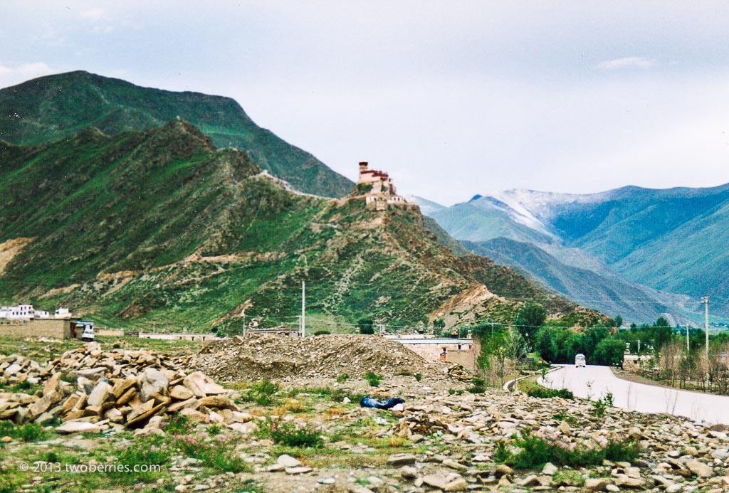Yumbu Lakang built in 2nd Century BC