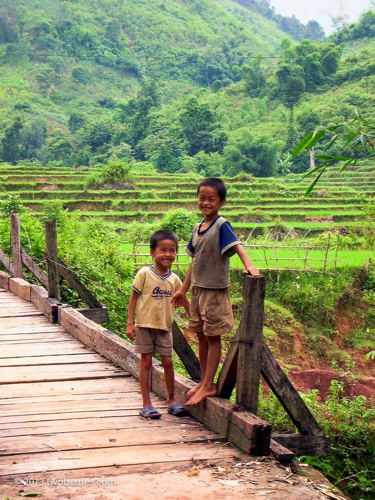 Children, Mai Chau